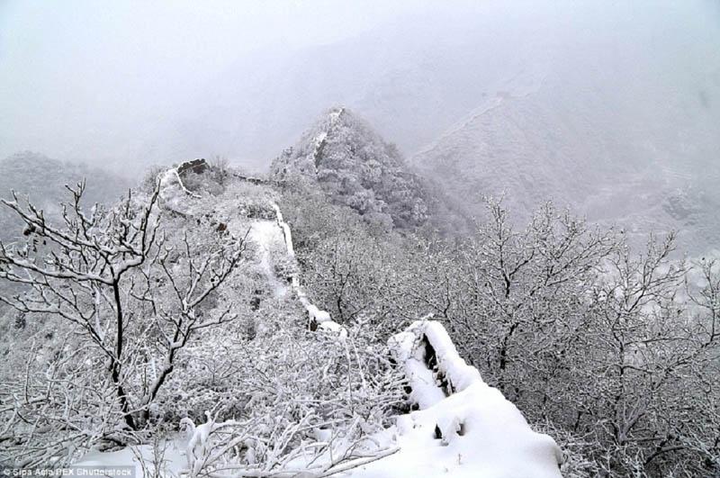 वर्षातपछि डोल्पामा हिमपात शुरु, तापक्रम शून्यमा झर्याे