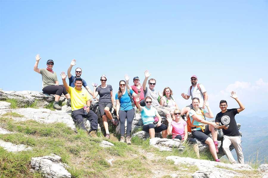 रसुवा नाकाबाट मे महिनामा ६ हजार बढी पर्यटक भित्रिए