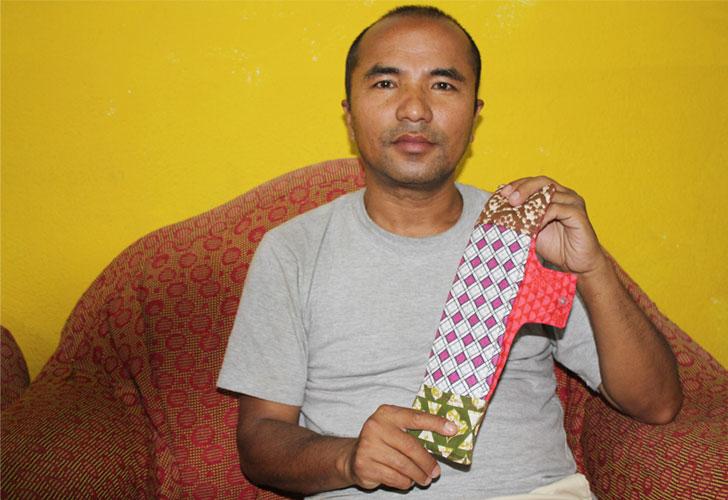 ज्ञान मर्हजन अर्थात् नेपाली 'प्याडम्यान'