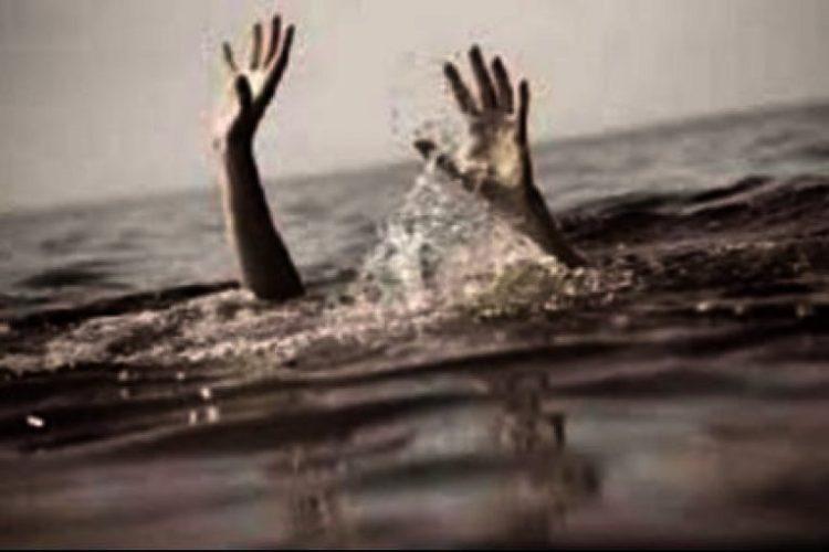 खोलामा डुबेर एक बालकको मृत्यु