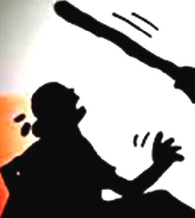 श्रीमानद्वारा श्रीमतीमाथि निर्घात कूटपीट