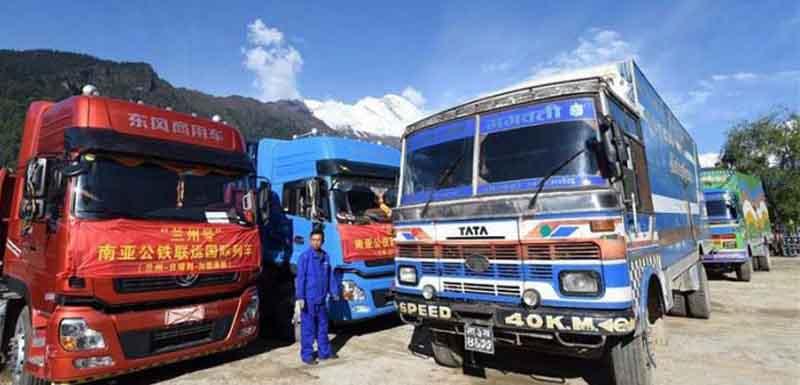 सामान आयातका लागि केरुङ जाने ट्रक कन्टेनरको सङ्ख्यामा  वृद्धि