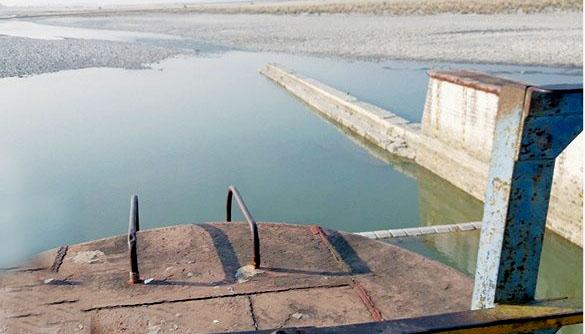 ब्यारेजको चाबी भारतसँग, नेपालमा घाटमा खरानी बगाउन समेत पानीको अभाव