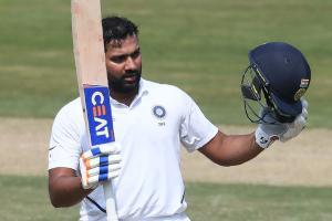 भारत र दक्षिण अफ्रीका बिचको पहिलो टेस्टमा भारत बलियो स्थानमा