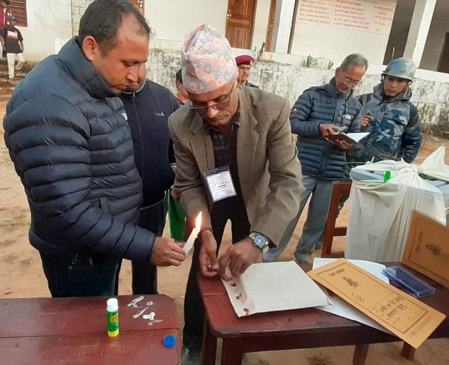 कास्कीमा निर्वाचन सम्पन्न, मतगणना रातिदेखि शुरु हुने