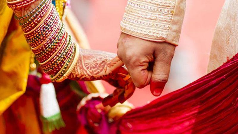 संविधानको शपथ लिएर विवाह, विवाहमा रक्तदान शिविर पनि सञ्चालन