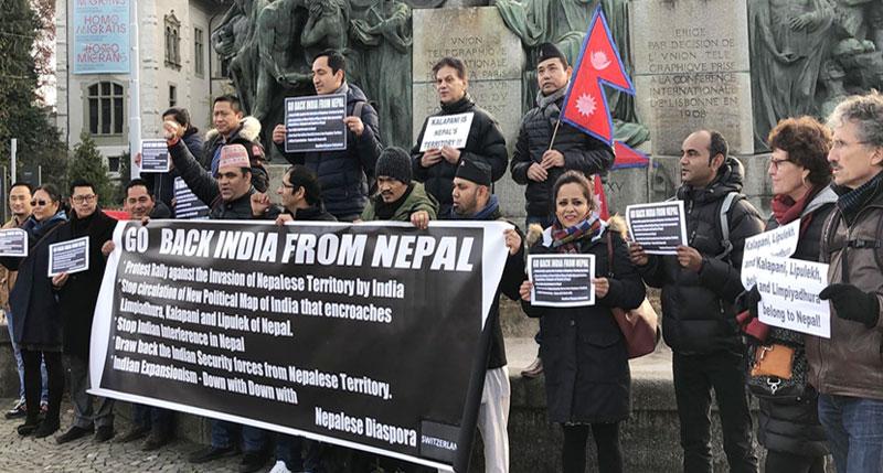 स्वीजरल्याण्डका नेपालीद्धारा भारतीय दूतावास अगाडि प्रदर्शन,प्रधानमन्त्री मोदीलाई लेखियो यस्तो पत्र