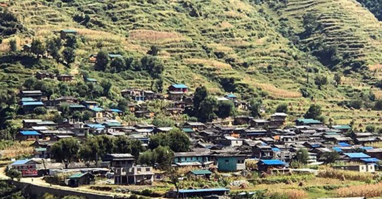 यस्तो गाउँ जहाँ काँग्रेसका घर उज्यालो हुन्छ कम्युनिष्टको घरमा अन्धकार