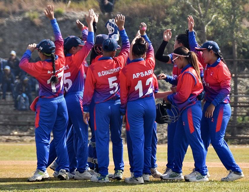 श्रीलंका महिला टिमले नेपाललाई दियो ११९ रनको लक्ष्य