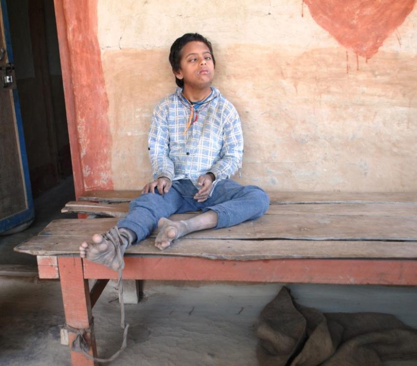१४ वर्षे बालक ११ वर्षदेखि बाँधिए  दाम्लोमा