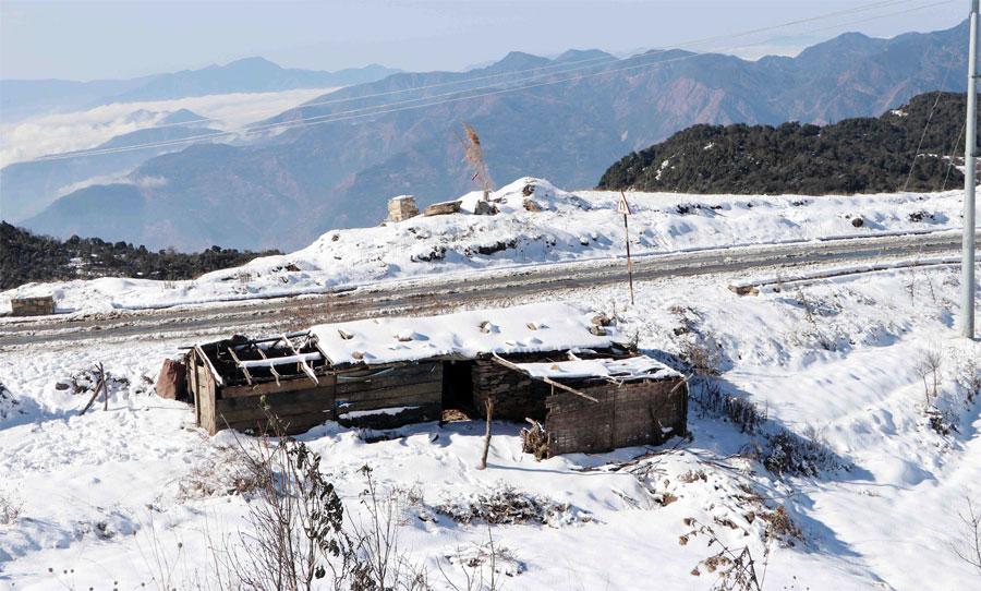 हिमपातले आखलढुंगाका किसानमा उत्साह