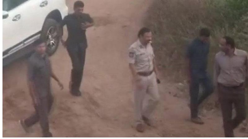 हैदरावाद डाक्टरमाथि बलात्कारपछि हत्याकाण्डका चारैजना आरोपि मुठभेडमा मारिए