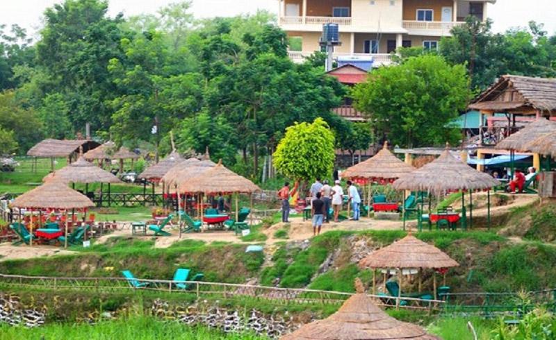 सौराहामा एक्कासी अपेक्षाभन्दा बढी पर्यटक