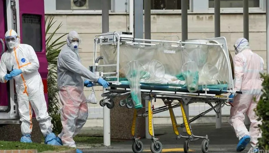 Coronovirus cases in Italy reach 53,578 death toll at 4,825