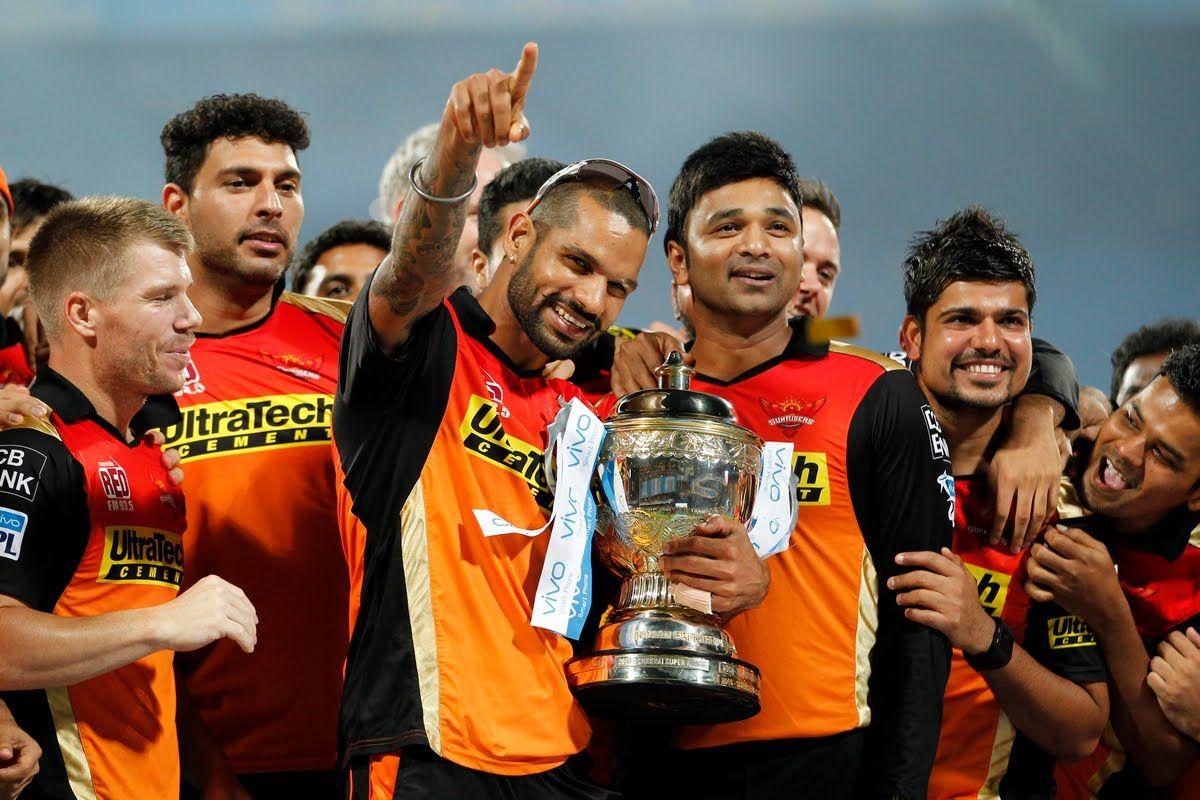 कति छ त सनराइजर्स हैदराबादका खेलाडीहरुको तलब, कप्तान डेविड वार्नरले लग्छन यती मोटो रकम