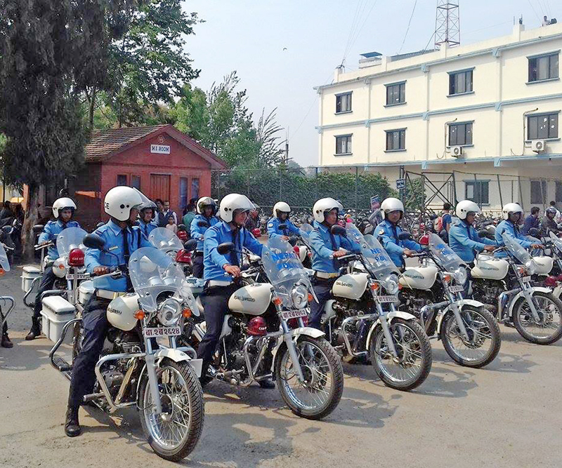 Traffic Police mobilized to prevent crowding