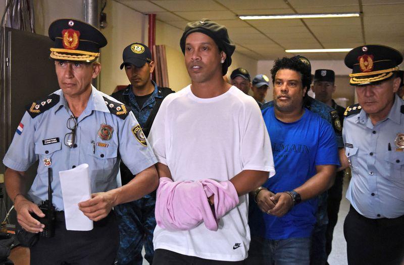 ब्राजिलका स्टार फुटबल खेलाडी रोनाल्डिन्हो जेलमुक्त