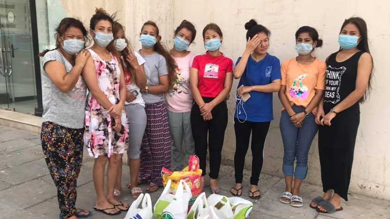 एनआरएनए युएइएद्धारा नेपाली महिला कामदारलाई सहयोग