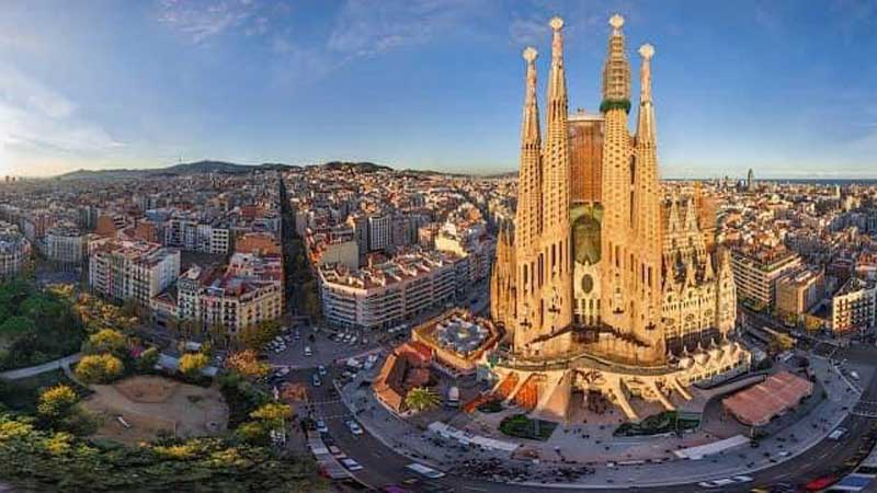 स्पेनले जुलाईदेखि विदेशी पर्यटक आवागमनमा अनुमति दिने