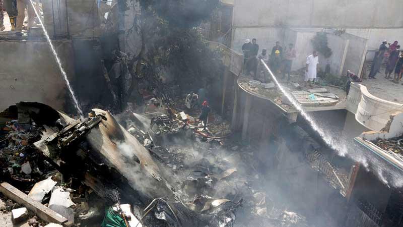 पाकिस्तान एयरलाईन्समा यात्रा गर्ने सबै यात्रुको मृत्यु