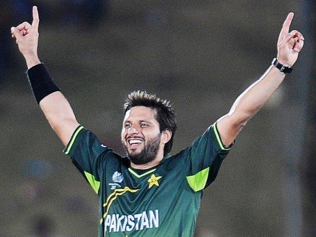 पाकिस्तान क्रिकेट टिमका पुर्वखेलाडी शाहिद अफरीदि कोरोना भाइरसबाट संक्रमित