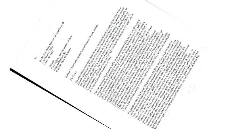 स्विटजरल्याण्डका नेपालीहरुले बुझाए भारतीय दूतावासमा ज्ञापनपत्र