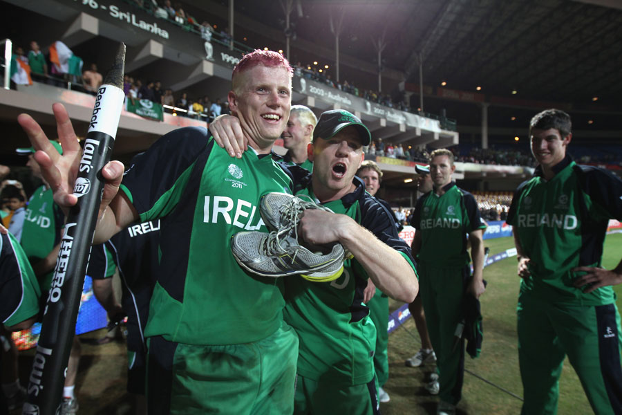 इंग्ल्याण्ड माथि आयरल्याण्डको ऐतिहासिक जित, एक खेलमै ३ खेलाडीले लगाए सतक