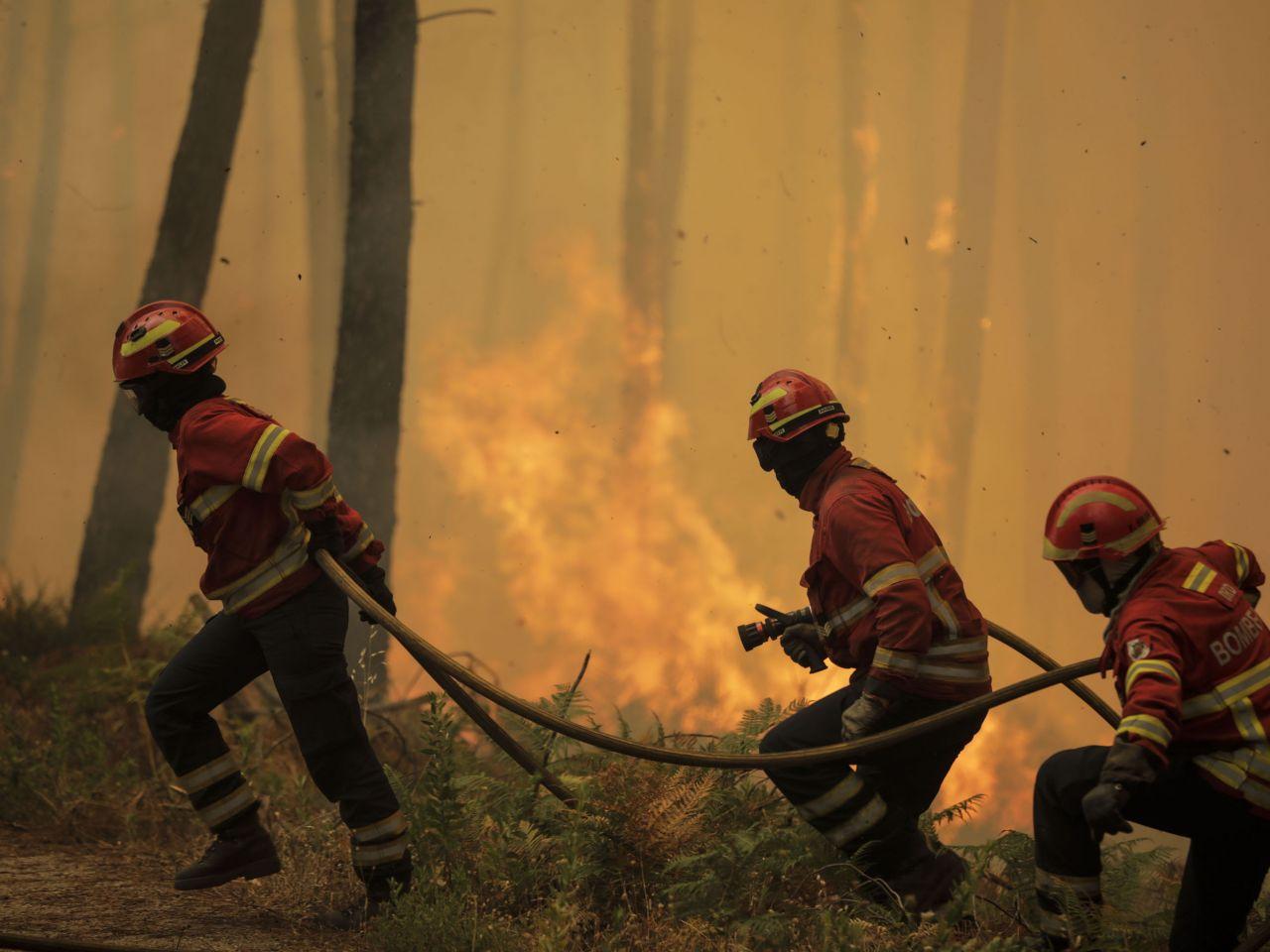 पोर्चुगलको जंगलमा भिषण अगलागी, एक हजार अग्निनियन्त्रक खटाइयो