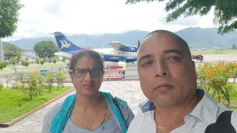 बुबा आमाको तिथि सम्झदै तिवारी दम्पत्तीद्धारा पर्वत अस्पताललाई सहयोग