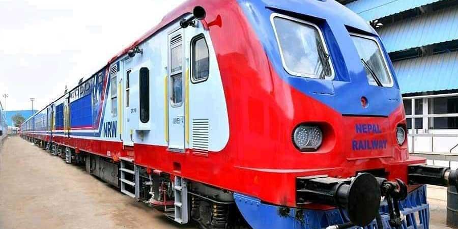 नेपालमा रेल यातायाततर्फको अर्काे यात्रा शुरु, दुई रेल नेपाल आइपुग्यो