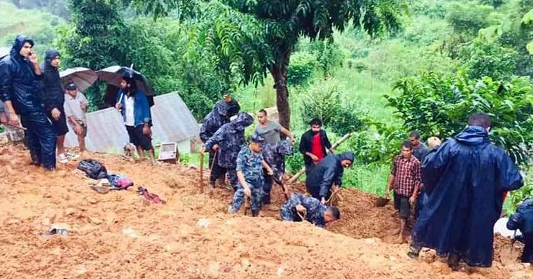 स्याङ्जाको वालिङमा पहिरोमा पुरिएर एकै परिवारका ९ जनाको मृत्यु