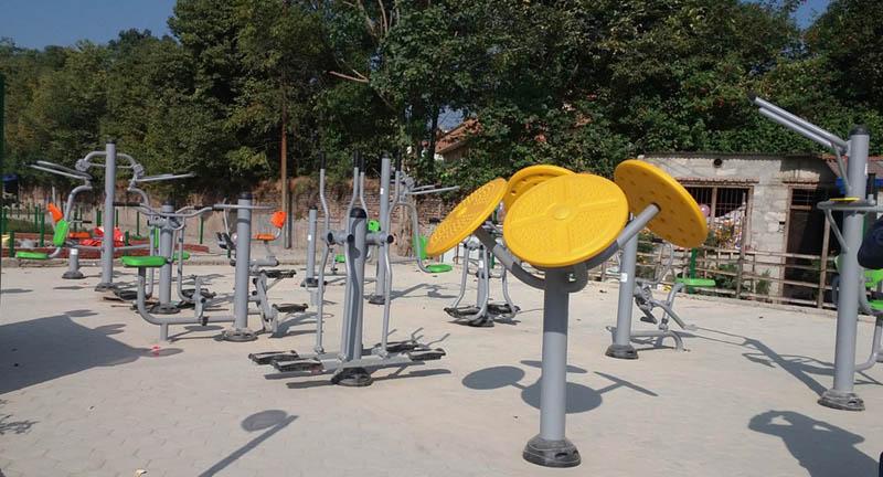 स्युचाटारमा आउटडोर फिटनेस पार्क