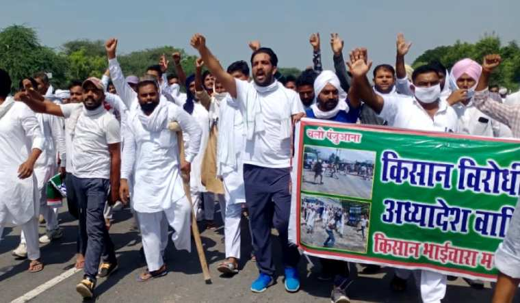 किसानहरुका माग पुरा नहुदा भारतमा प्रदर्शन जारी