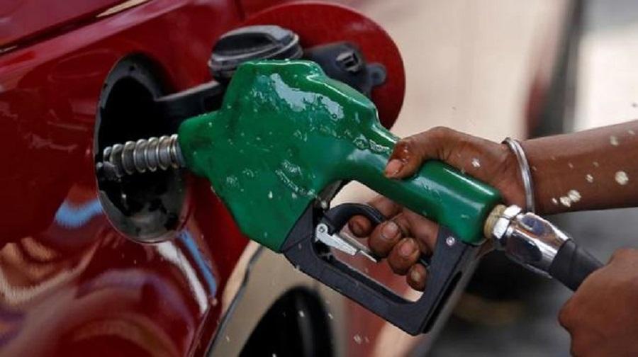 भारतमा पेट्रोलियम पदार्थको मूल्यवृद्धि
