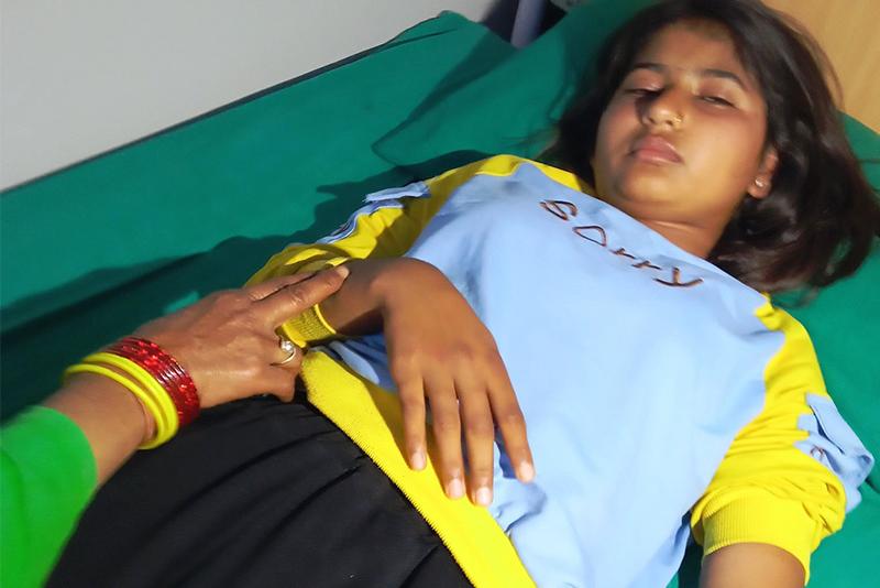 कञ्चनपुरमा प्रद्यानाध्यापकको कुटाइबाट घाइते छात्रा अस्पताल भर्ना
