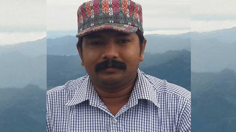'केपी ओलीज्यू तपाईको पार्टीको नाम नेपाल कमेडी पार्टी (नेकपा) राख्नुहोस्'