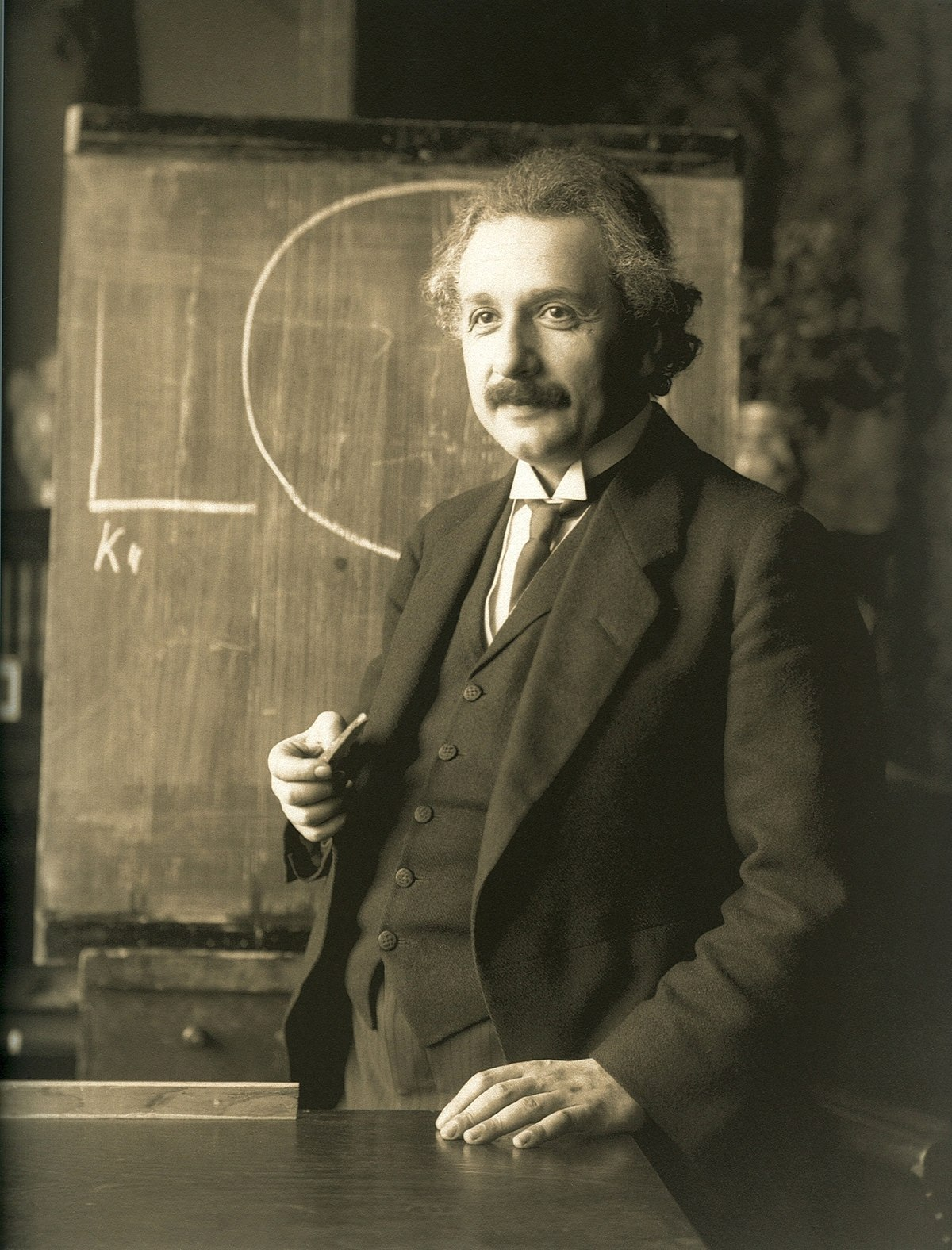 इतिहासमा आज : महान बैज्ञानिक अल्वर्ट आइन्स्टाइनको निधन