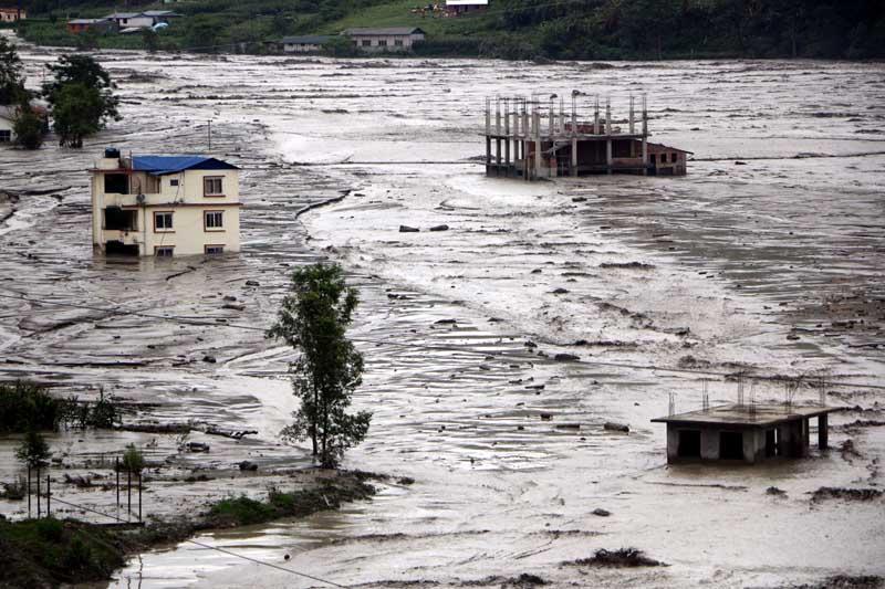 गेग्य्रान बग्दा सिन्धुपाल्चोकमा ठूलो क्षति, मेलम्ची र नदी तटीय क्षेत्र अझै ठूलो जोखिममा