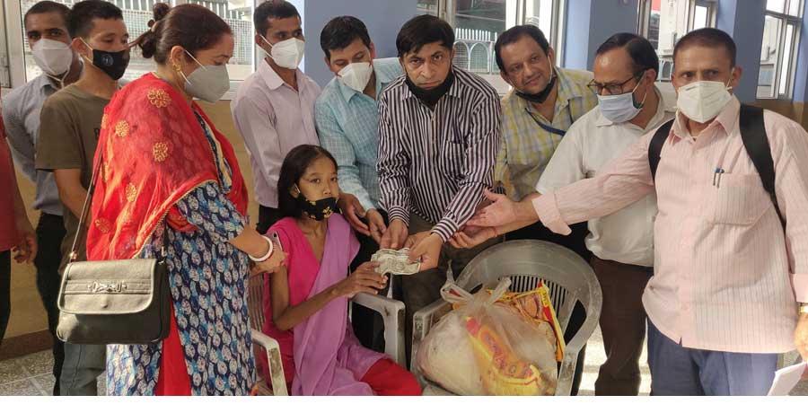 नेपाली जनसम्पर्क समिति र एनआरएनए  भारतको पहलमा मिर्गौला रोगले पीडित तिलालाई आर्थिक सहयोग